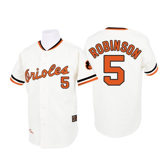 Men's Mitchell and Ness 1970 Baltimore Orioles 5 Brooks Robinson Replica White Throwback MLB Jersey